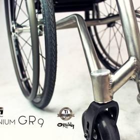Oracing-XTR_Titan_Grade-9_Tagesrollstuhl_massgefertigter-Rollstuhl